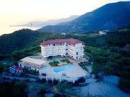 Situato a Lukovë, l'Hotel Vila Kafe offre una piscina stagionale all'aperto, un giardino,hotel a Saranda in  Albania