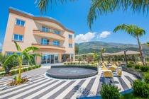 Sole Luna Hotel offre una spiaggia privata,offerte hotel in Albania con bookingalbania.net