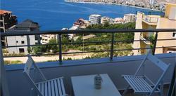 Llambi Apartments offre un giardino e la connessione WiFi gratuita.Hotel B&B Albania Booking Albania