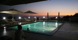 Relax Hotel offre una piscina all'aperto con terrazza, Hotel a Dhermi  Booking Albania