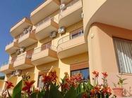 Brelor Hotel Radhim  vanta un ristorante-bar e la copertura integrale del WiFi gratuito.Hotel a Radhim Albania.Booking Albania