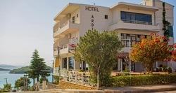Situato a Ksamil, l'Hotel Ardiani offre un bar. Questo hotel a 3 stelle offre la connessione Wi-Fi gratuita.