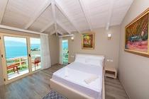 Hotel Roi Radhim a Valona in Albania. Hotel Albania da 20 euro prenota con bookingalbania