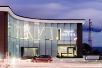 L'Albes Hotel offre sistemazioni a Fier. La struttura ospita un ristorante e un bar. La reception è aperta 24 ore su 24.